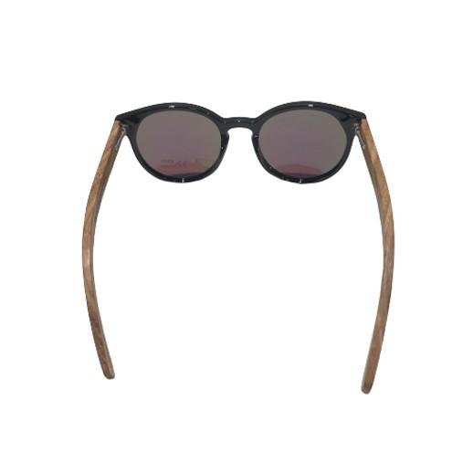 Polarisierende blau getönte Sonnenbrille mit Holzbügel bei bekos.ch