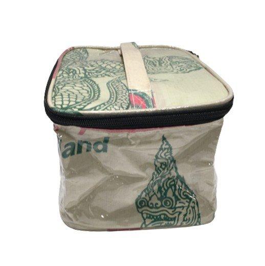 Upcycling - Rechteckige Kosmetiktasche aus recycelten Zementsäcke Naga bei bekos.ch