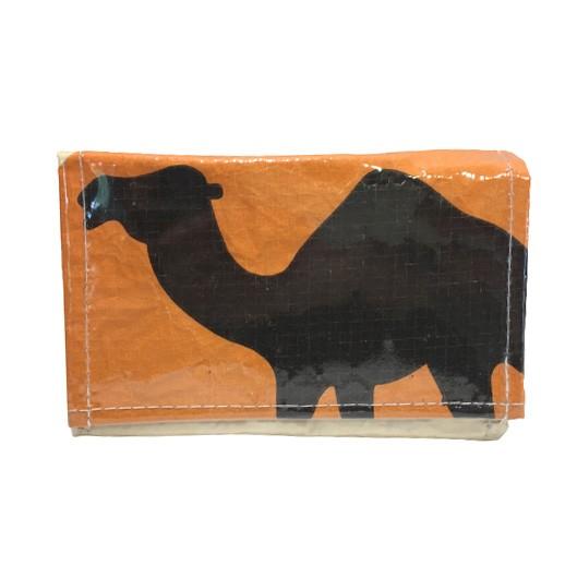 Upscycling - Praktische Geldbörse aus Zementsäcke Camel bei bekos.ch