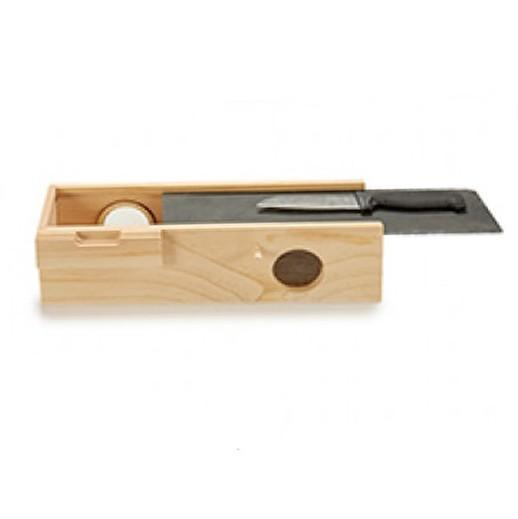 Holzkiste mit Schiefer-Schneidebrett und Messer bei bekos.ch