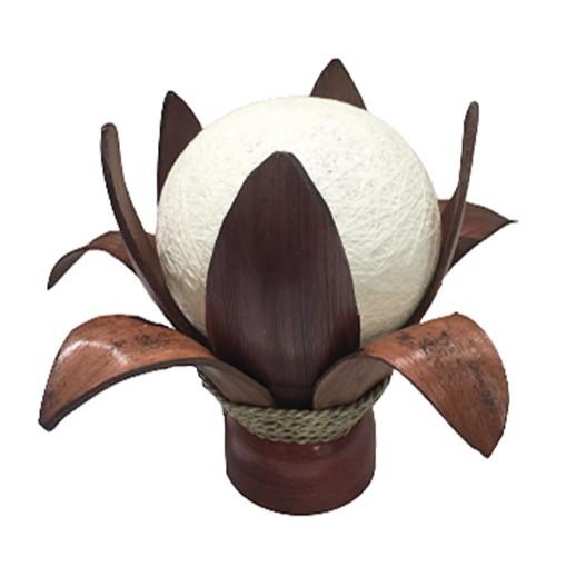 """Tischlampe """"Blüte"""" aus Kokospalmblätter bei bekos.ch"""
