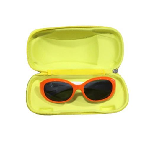 Weichschalen Brillenetui in Form eines Autos bei bekos.ch